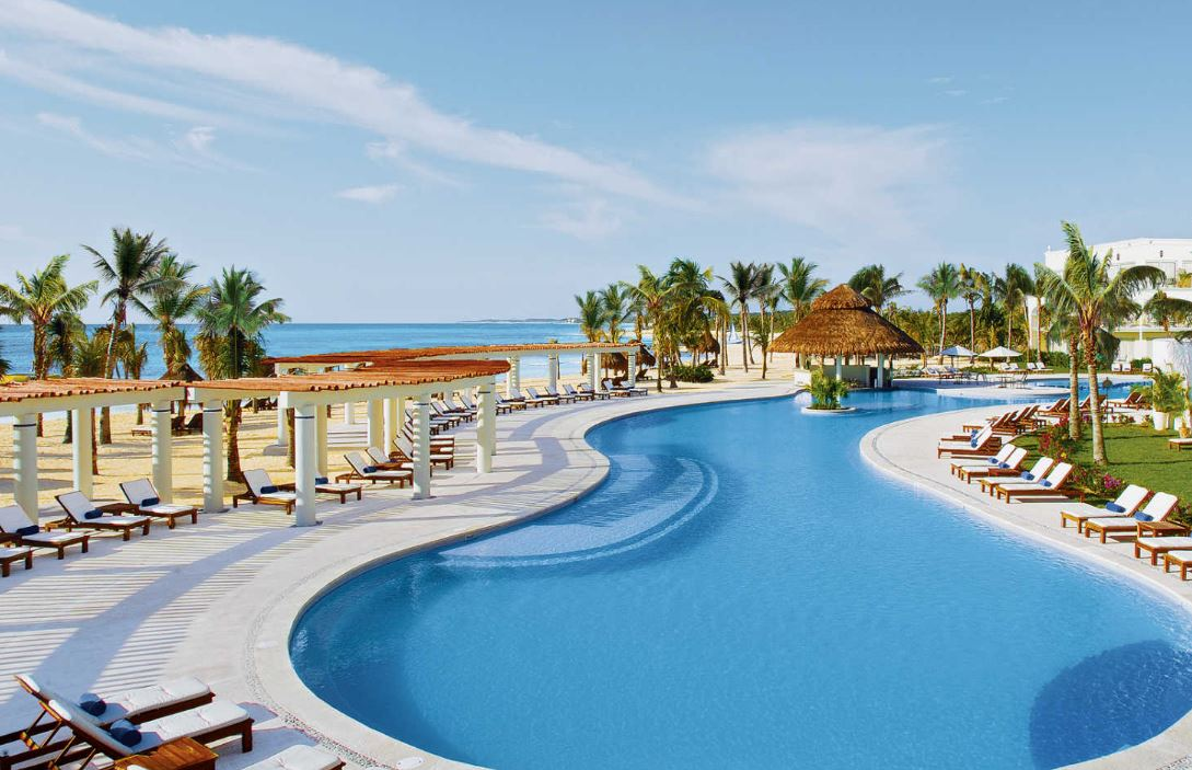 Pool at Dreams Tulum Resort & Spa