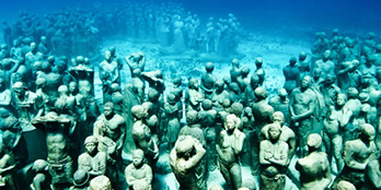 Cancun's underwater museum:  A submerged world