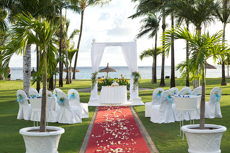 Wedding gazebo at Sugar Beach