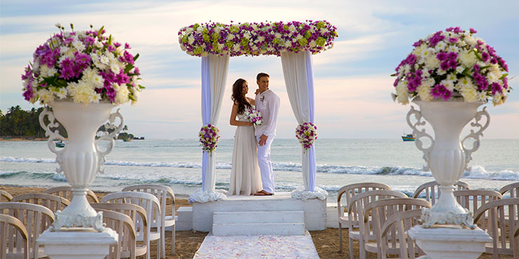 Beach Wedding at Trinco Blu by Cinnamon