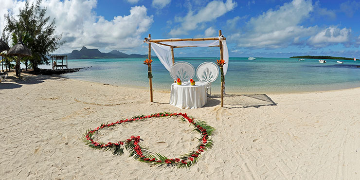 Beach wedding at Preskil Island Resort