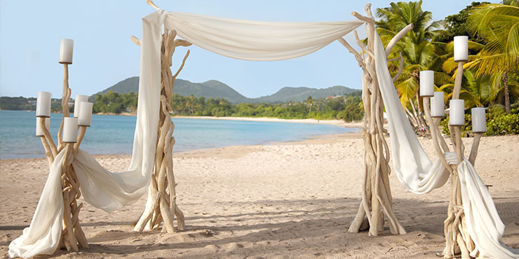 Beach wedding at Rendezvous