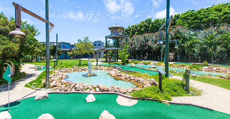 18-hole mini golf course, The Verandah Resort & Spa